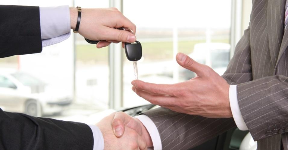 Compra e venda de veículo com segurança no olhar jurídico.
