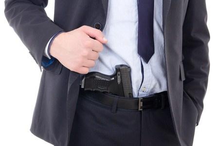 Porte, tráfico e posse de armas e drogas. O que é considerado crime ou não?